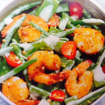 Salade met gepaneerde scampi's, haricots verts & cherry tomaten – week 22 t/m 27 augustus