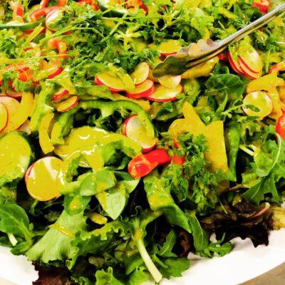 Petite salade de legumes grilles